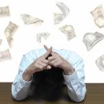 【空き家の実家を放置し続けると、強制的にお金がかかリます。】