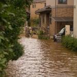 【浸水エリア建築許可制へ】災害と空き家の両方の対策に!
